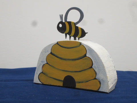 Bumblebee Table Topper