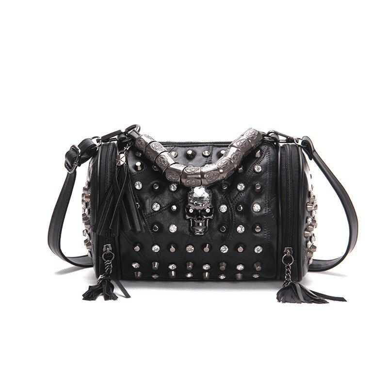 Metal Skull Shoulder Bag - Landsyne