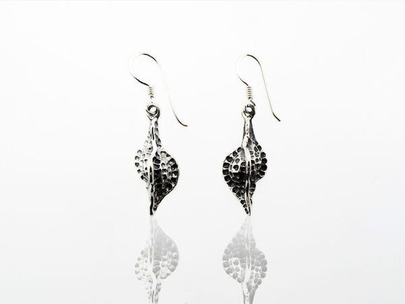Enchanting Conch Shell Dangle Earrings