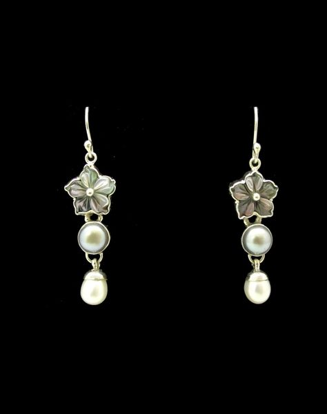 Pearl Flower Beaded Dangle Earrings