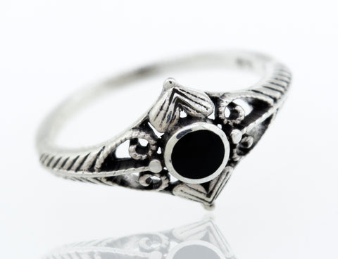 Round Onyx Ring With Heart Design