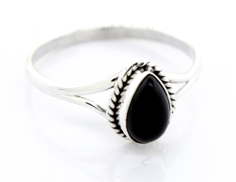 Elegant Teardrop Shape Onyx Ring