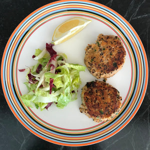Simple Salmon Cakes using Canned salmon