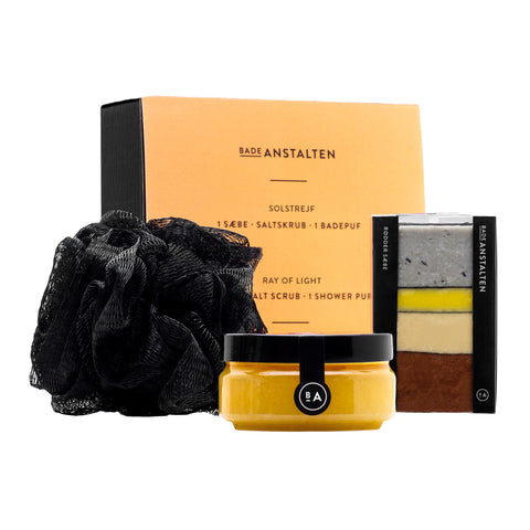 Badeanstalten - Ray of light, Gift Set (1 x Soap, Salt Scrub, Shower Puff)