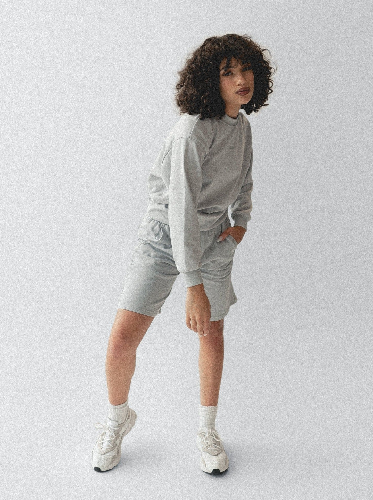 LOUNGE SWEATER - LIGHT GREY
