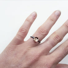 Load image into Gallery viewer, Twig & Blossom Minima Unum ring