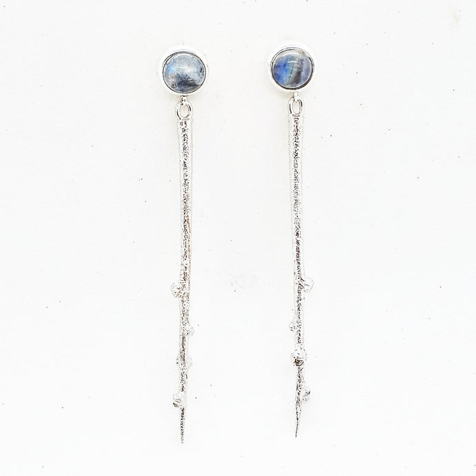 Sticks & Stones Dangling thorn earrings