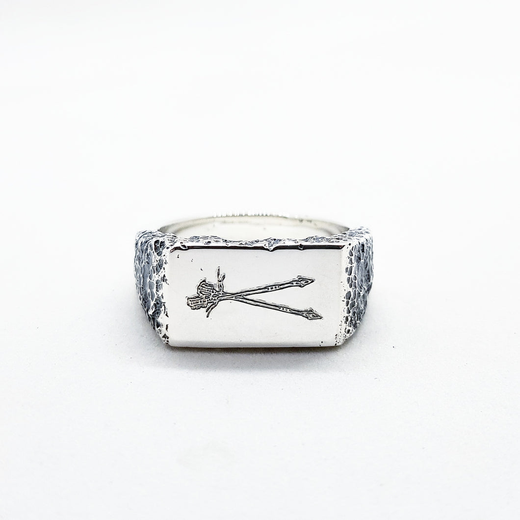 UnEarthed Insignia Arrows ring
