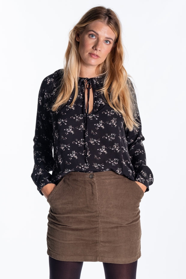 """Hayle"" Ladies Drapey Print Blouse In Floral"