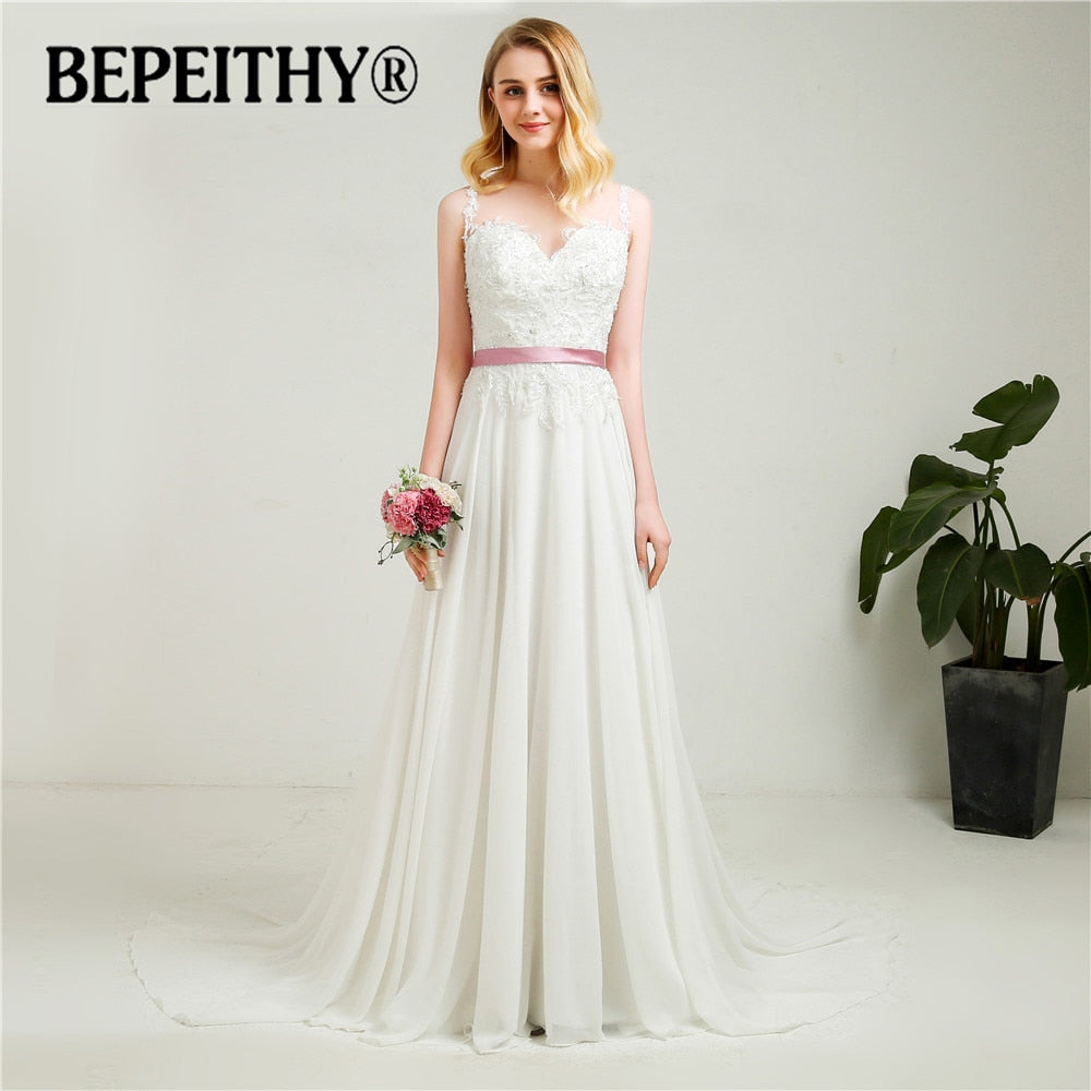 Fashionable Beach Wedding Dress Sheer Back With Belt Vestidos De Novia Sexy Beading Bridal Dresses 2018 Hot Sale