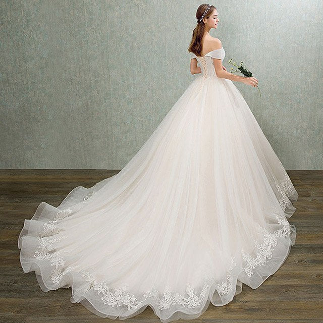 2018 Ball Gown Bridal Dress Vintage Muslim Plus Size Lace Wedding Dress Princess Sweetheart Pearls Train Ball Gown Bridal Dress