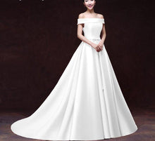 Load image into Gallery viewer, White Stain Lace-up Bridal Dress