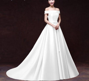 White Stain Lace-up Bridal Dress