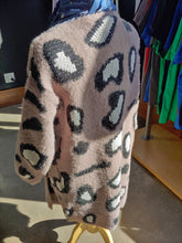 Load image into Gallery viewer, Mauve Cheetah Thick Cardigan