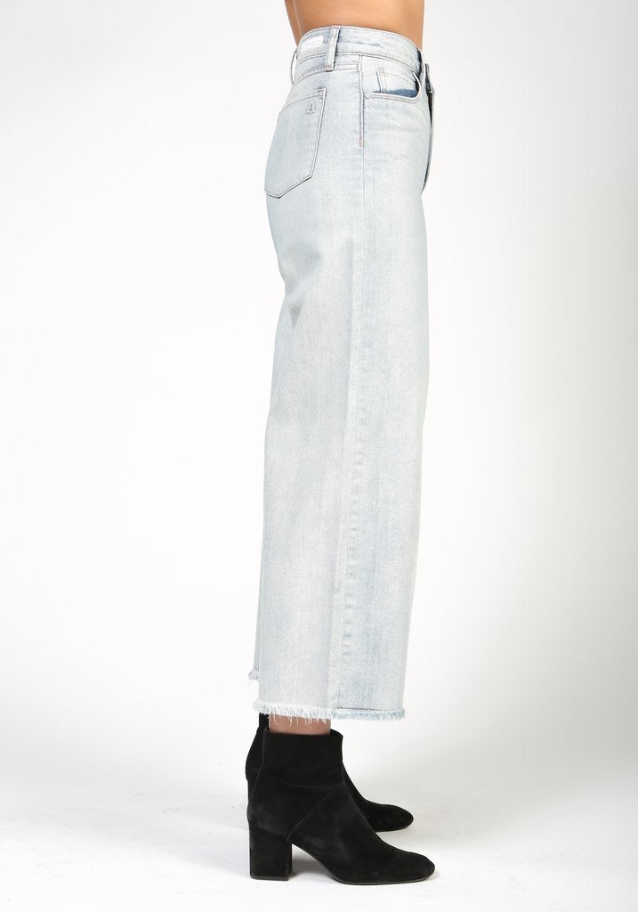 High rise, wide leg, cropped denim (25% off at check out)