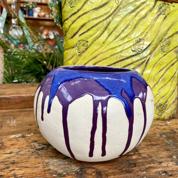 Mandy Lou Ceramics: Small Arse Pot