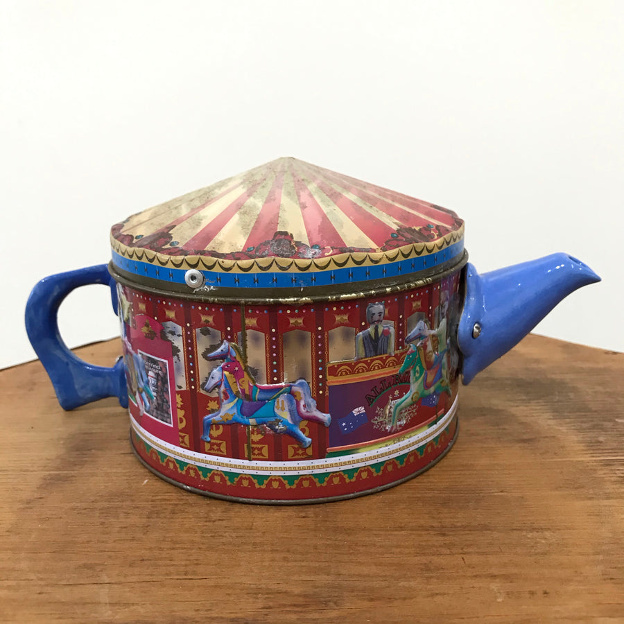 Fiona the Collector Tin Teapot: Circus