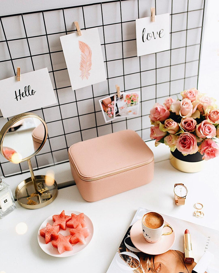 The Elle Beauty Case - Blush