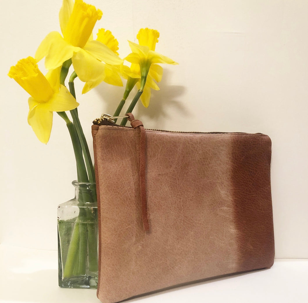 Classic Leather Clutch (Sun-Dyed Brown)