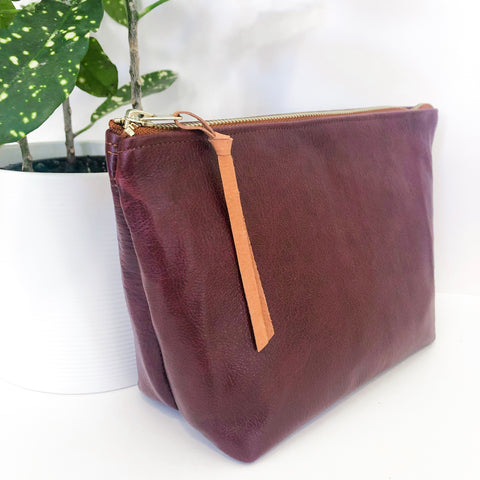 Standing Trapezoid Pouch (Mahogany Leather)