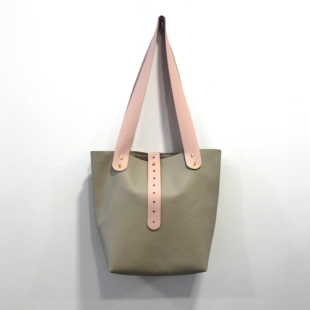 The Bucket Tote- Gray Taupe and Dusty Pink (Gold)