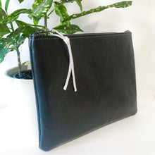 Load image into Gallery viewer, Classic Leather Clutch (Black)