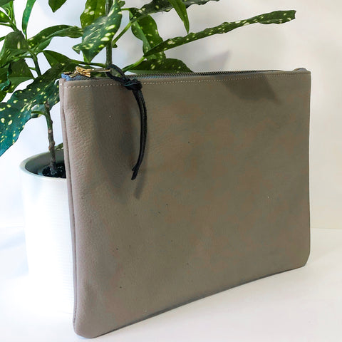 Classic Leather Clutch (Gray)