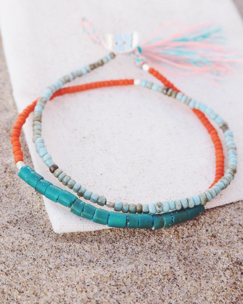 At.Aloha Seas The Day Beaded Bracelet in Turquoise / Orange