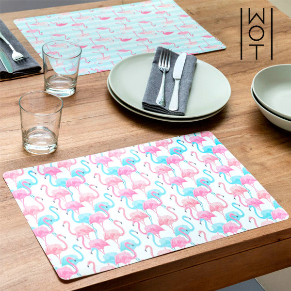 Wagon Trend Flamingos Table Mat