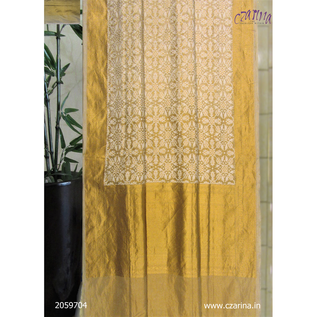OFF WHITE GOLDEN BANARASI SILK SAREE