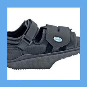 DARCO OrthoWedge Healing Shoe, Black