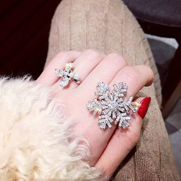 Dancing Rotating Lucky Snowflake Ring --- Perfect Christmas New Year Gift!