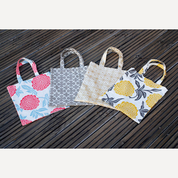 Grey Clover Tote Bag - Readymade Objects Shop - 5
