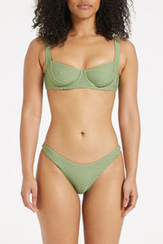Signature Curve Brief - Tallow Green