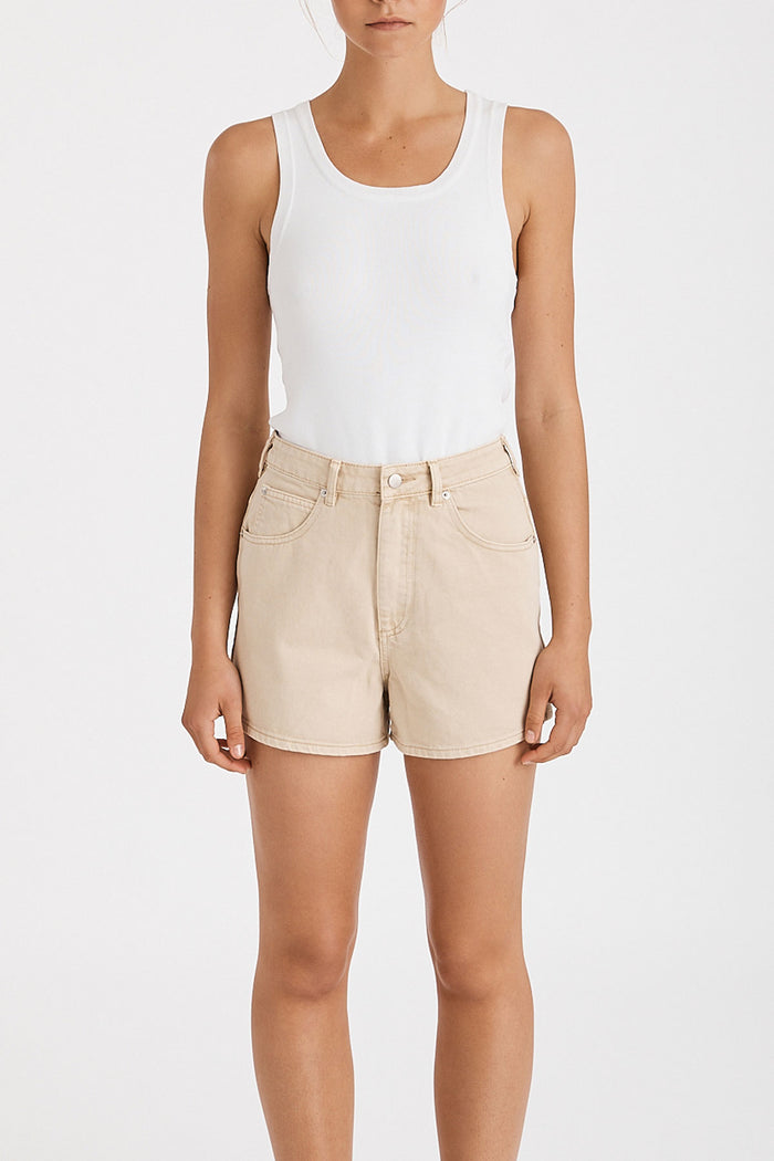 The Mom Short - Natural