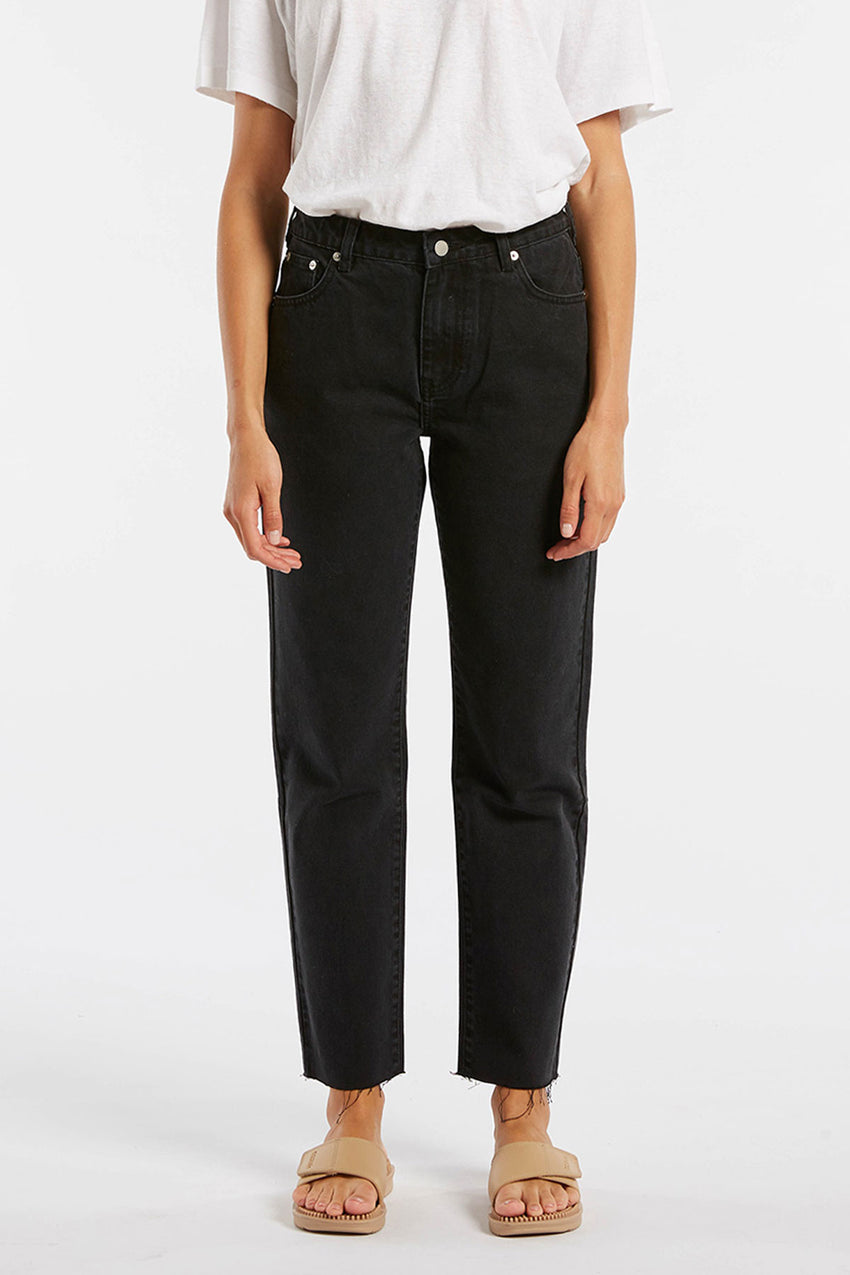 The Mid Rise Straight Leg Jean - Black