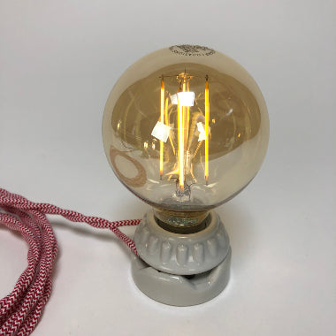 BULB: GLOBE STYLE WITH LED FILAMENT, 4.5W, AMBER