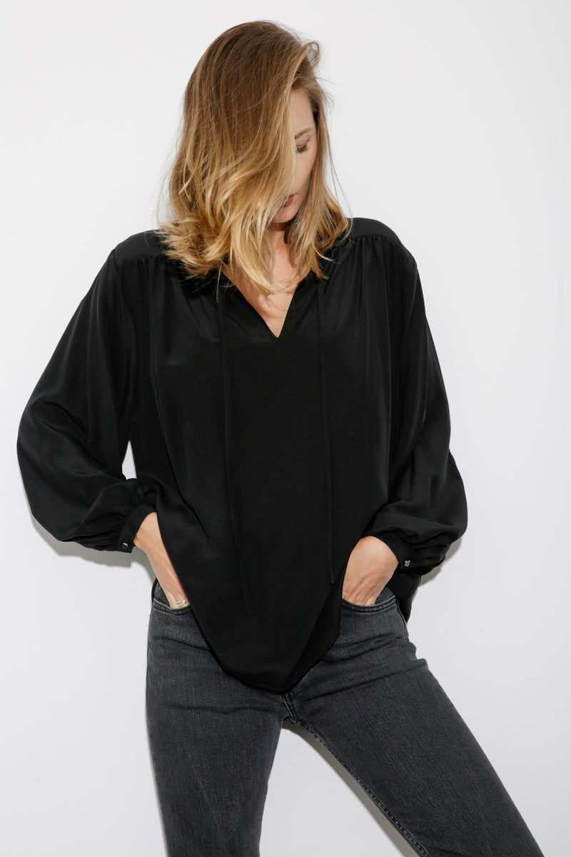 Alexa Silk Blouse black