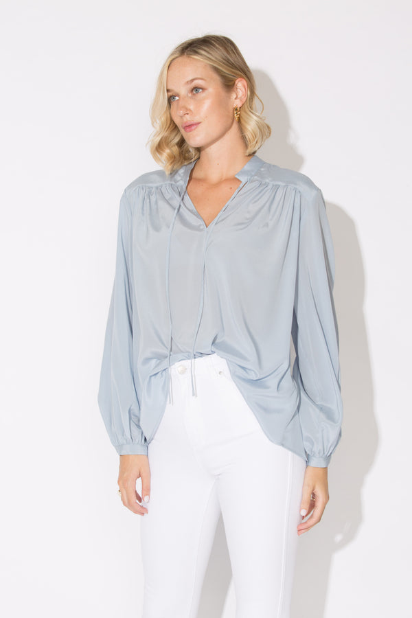 ALEXA SILK BLOUSE LIGHT BLUE