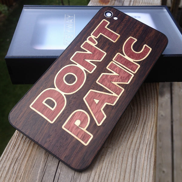 "Custom ""Don't Panic"" iPhone 4 BackBoard"