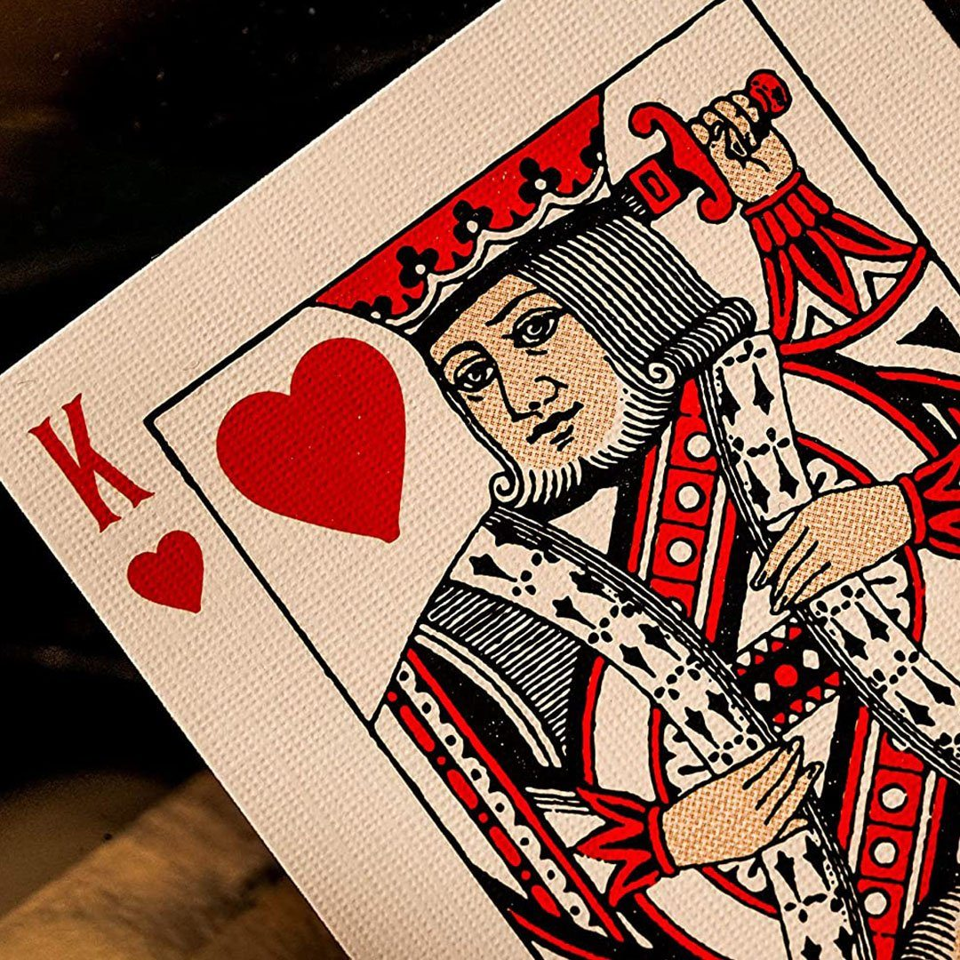 KEYWAY | Theory 11 - Derren Brown Premium Playing Cards close-up King of Hearts