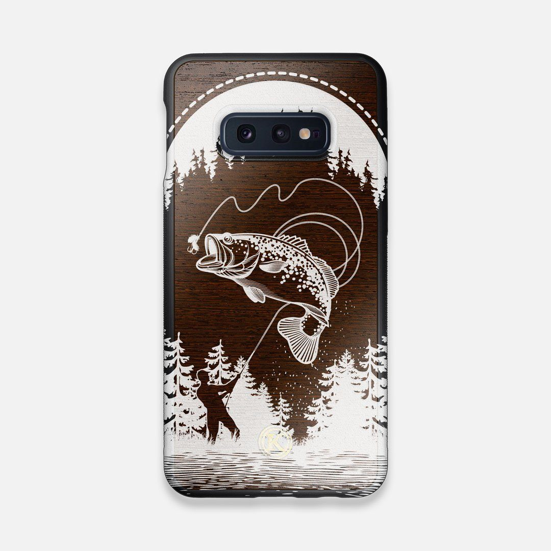 Front view of the high-contrast spotted bass printed Wenge Wood Galaxy S10e Case by Keyway Designs