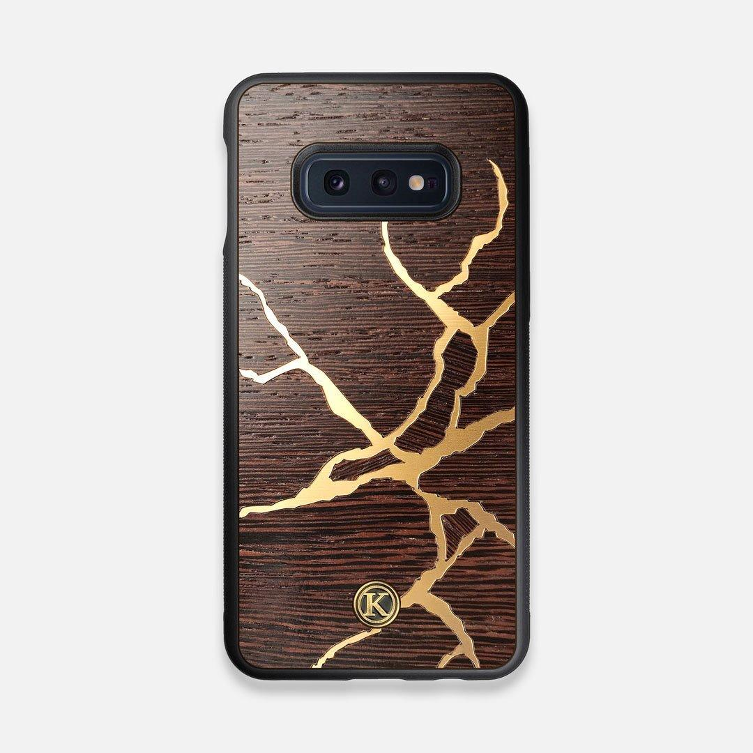 Front view of the Kintsugi inspired Gold and Wenge Wood Galaxy S10e Case by Keyway Designs
