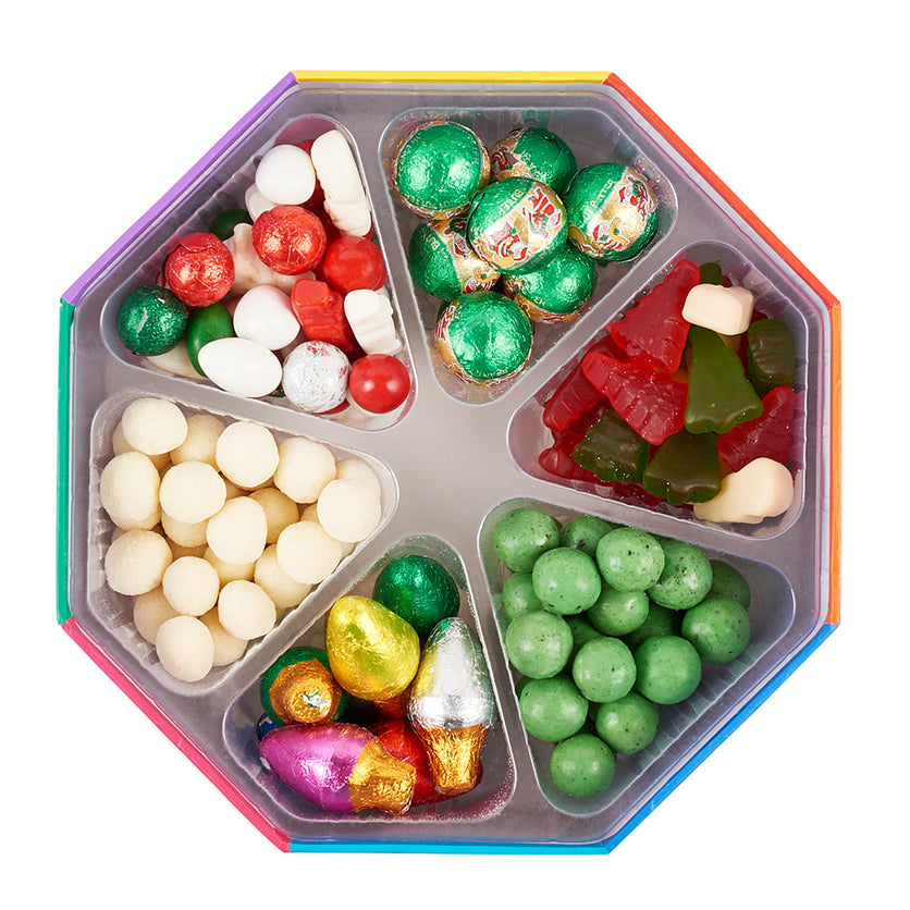 christmas-octagon-gift-basket-dylans-candy-bar