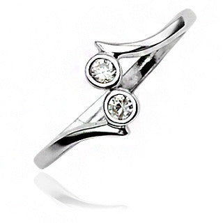 Twinkle Toes– Double circle round-cut cubic zirconias sterling silver toe ring