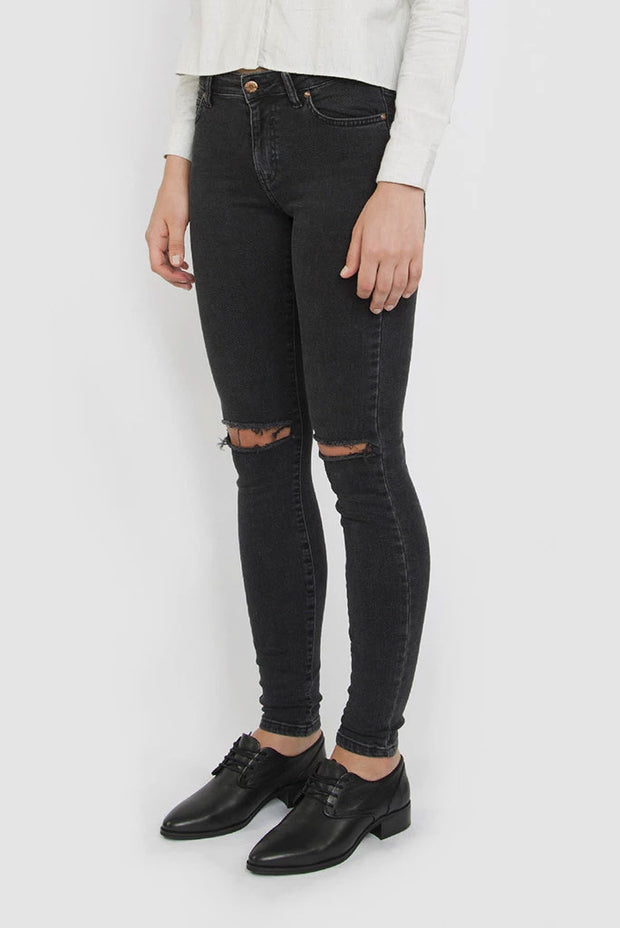 Regina Jeans Old Black Destroyed - Dr Denim Jeans - Australia & NZ