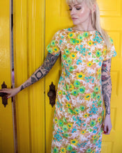 Load image into Gallery viewer, Vintage 60s floral wallpaper shift dress