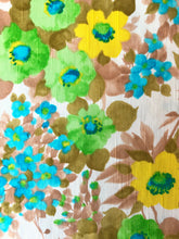 Load image into Gallery viewer, 60s Bold Floral Shift Dress