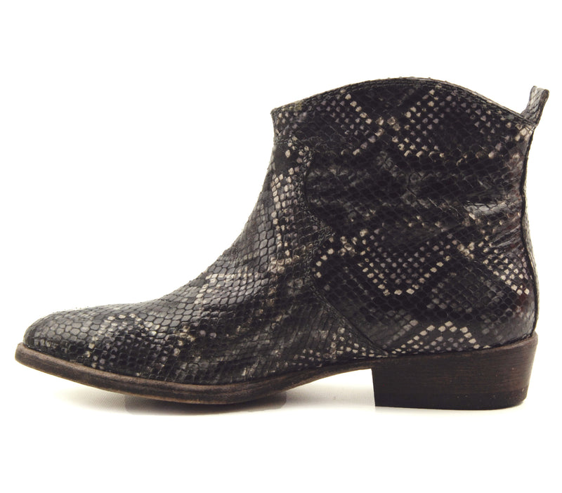 AGL D128502 Wyatt Coal Flat Ankle Boot