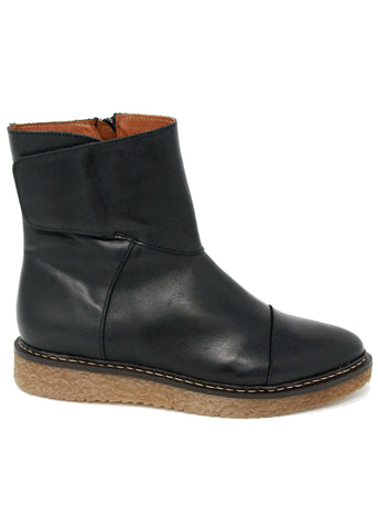 Eric Michael Helen Black Boot